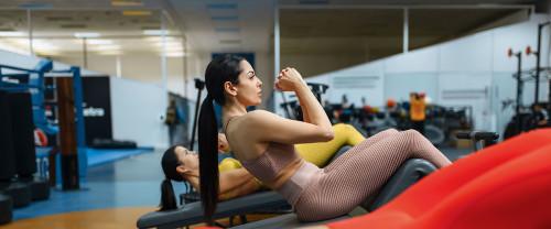 Cerchi i migliori esercizi addominali donne? Eccone alcuni!