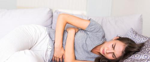 Alimentazione e mestruazioni: cosa mangiare contro la PMS