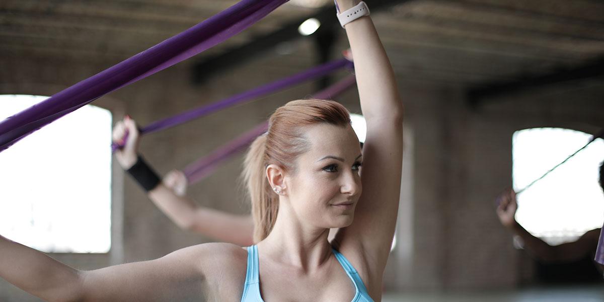 esercizi con elastici total body