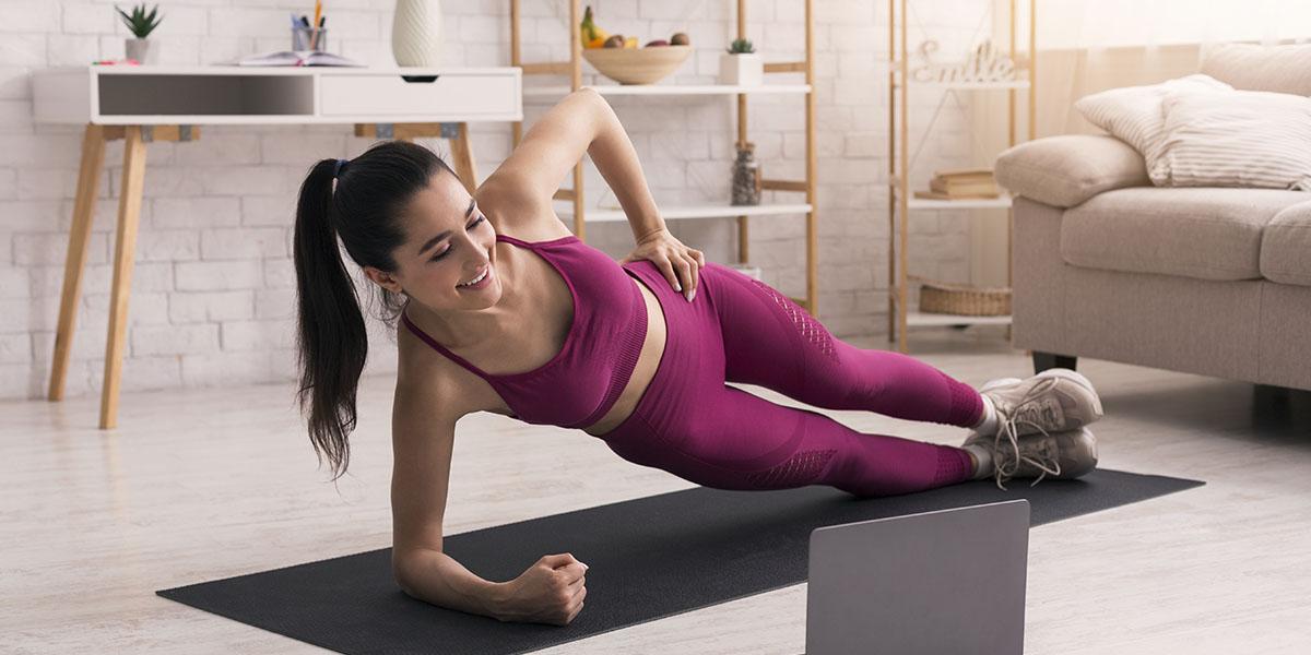 Benefici del plank jacks ed errori comuni